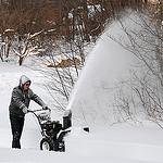 13. Сосед одолжил snow blower, вместо трех часов дорогу к гаражу чистили 15 минут