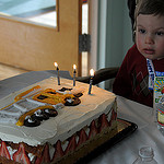 34. Усталый именинник и торт
