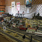 64. Железная дорога - с ездящими поездами и кучей деталей