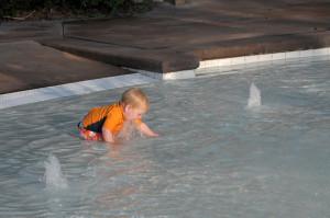 Зачем нужны в бассейне фонтанчики? Чтобы из них пить!