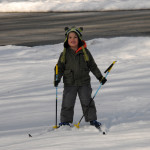 Бориска на лыжах - сам, у нас не было тогда лыж ни у кого, так что он сделал два круга по двору, устал и вернулся на базу.