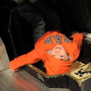 Бориска лежит в Gemini на месте американских астронавтов. Места реально мало. Кстати, этот самый авианосец ходил подбирать капсулу после ее возвращения с Луны.