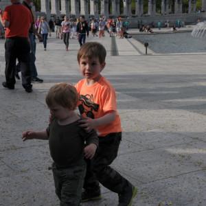 Бориске в шутку поручено было отгонять Максика от фонтана, куда он прямой наводкой бежал и хотел залезть - Бориска очень ответственно отнесся, страдал, что не хочет, но бегал за ним, аж три раза, пока мы его не освободили от этого :)