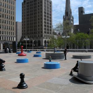 Площадь в центре, прямо у Сити Холла